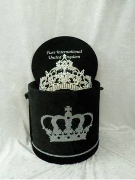 Small, Medium or Large Deluxe Crown Box